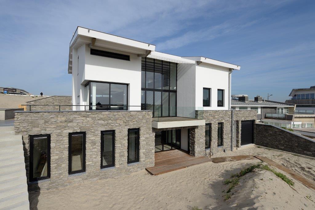 Oplevering ontwerp luxe woning bergen aan zee bnla - Modern huis aan zee ...