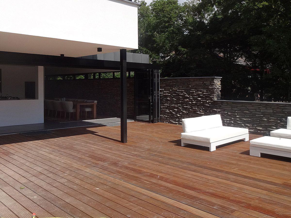 Ontwerp modern huis met rieten kap in zeeland bnla for Terras modern huis