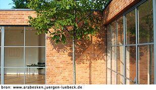 Op regelmatige basis schrijft BNLA architecten een artikel over een woning of een woonvorm. Soms dichtbij huis, soms ver weg, maar altijd gebaseerd op eigen bevindingen. Ditmaal bezoeken we Villa Lemke van Ludwig Mies van der Rohe