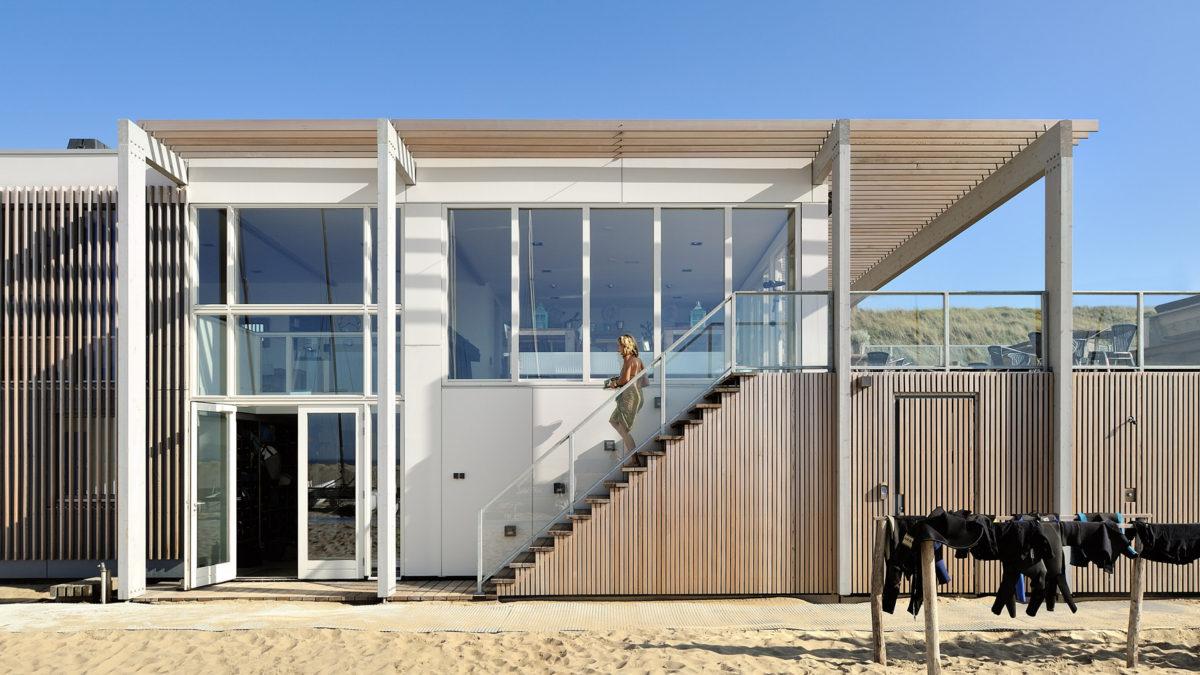 Strandhuis Zandvoort - ontwerp door BNLA Architecten