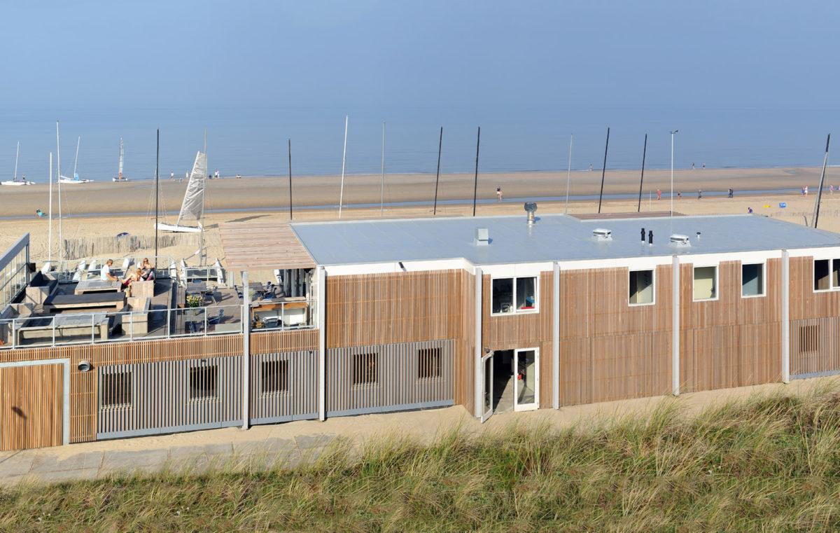 Ontwerp strandhuis Watersportvereniging Zandvoort door BNLA Architecten