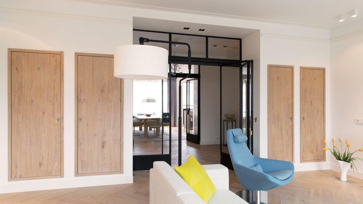 Ontwerp verbouwing monumentaal appartement door BNLA Architecten. Detail woonkamer.