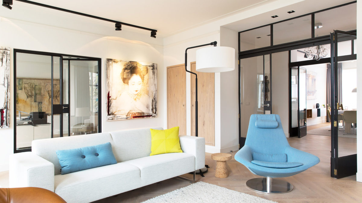 Woonkamer modern appartement Amsterdam. Ontwerp BNLA Architecten