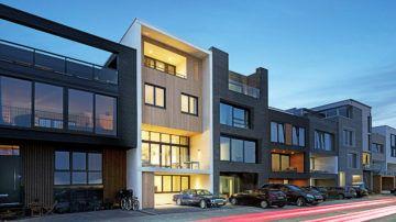 De gemeente Amsterdam geeft regelmatig nieuwe kavels vrij voor individuele zelfbouw, samen in het klein en CPO. De manier om je droomhuis te realiseren in de bruizende stad Amsterdam!