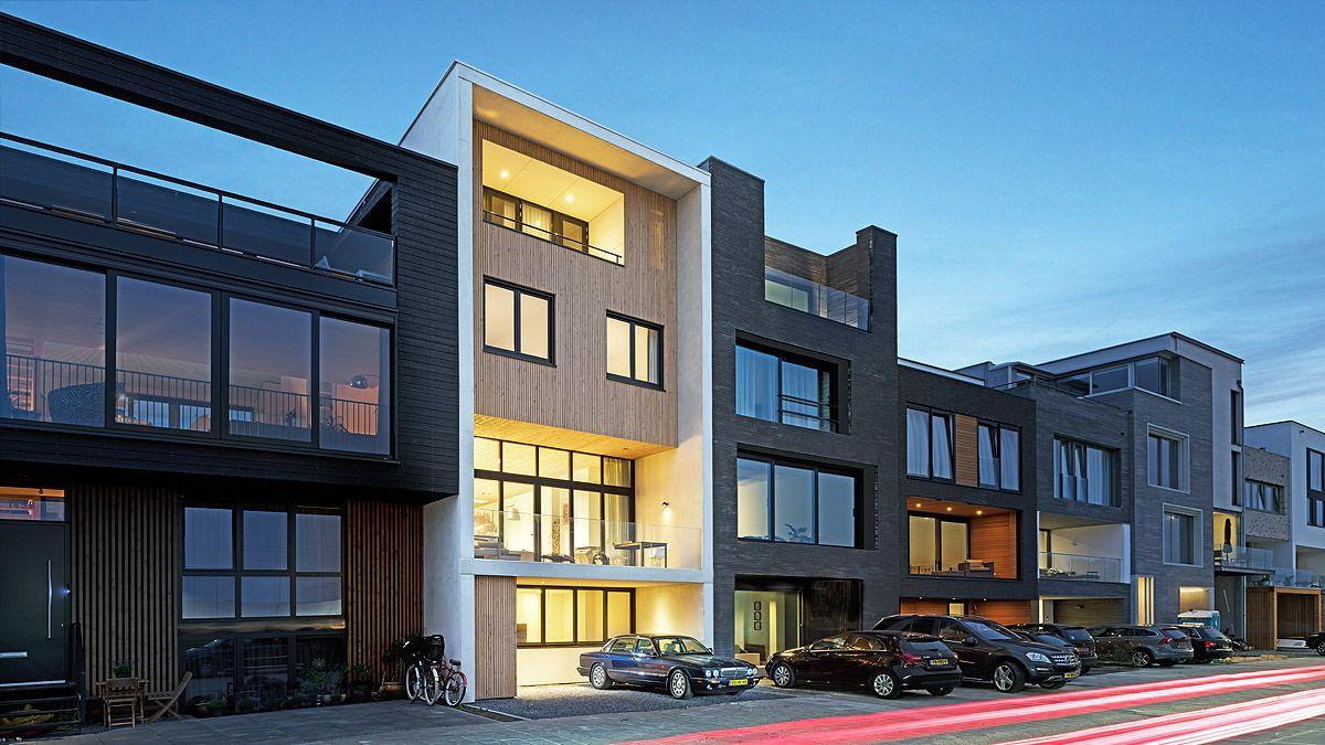 Voorgevel woning op zelfbouwkavel. Ontwerp door BNLA architecten.