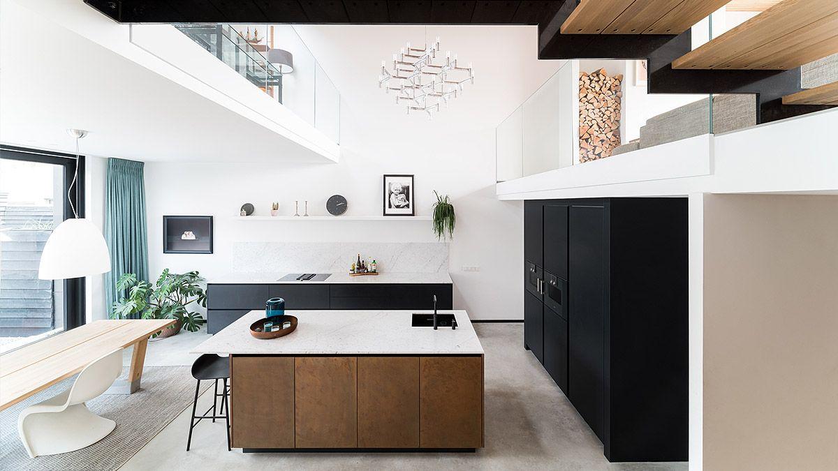 Open keuken in zelfbouw woning Amsterdam. Ontwerp en realisatie BNLA Architecten.