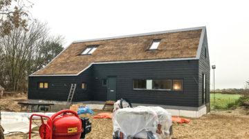 In samenwerking met Studio Inamatt heeft BNLA architecten een ontwerp gemaakt voor een vakantiewoning op Ameland. In het verleden werden er door BNLA al duinvilla's op Schiermonnikoog, Vlieland en in Bergen aan Zee ontworpen.
