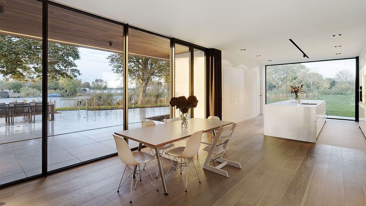 Ontwerp eetkeuken in luxe nieuwbouw villa. BNLA Architecten.