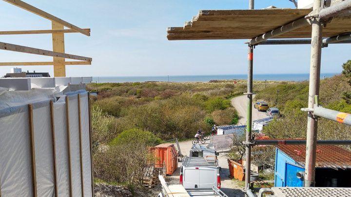In de duinen van Zeeland wordt een luxe duinvilla gerealiseerd naar ontwerp van BNLA architecten. Het project is het resultaat van een intensieve samenwerking tussen BNLA, de aannemer, diverse leveranciers en uiteraard de opdrachtgever. Maar wat is nou precies de meerwaarde van BNLA architecten?