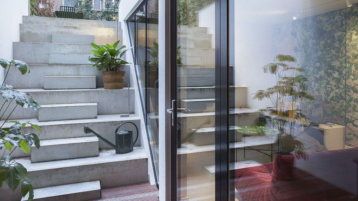 BNLA-architecten-architect-ontwerp-rauwe-betonnen-buitentrap-patio